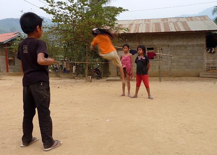 Jeux d'enfants Laos