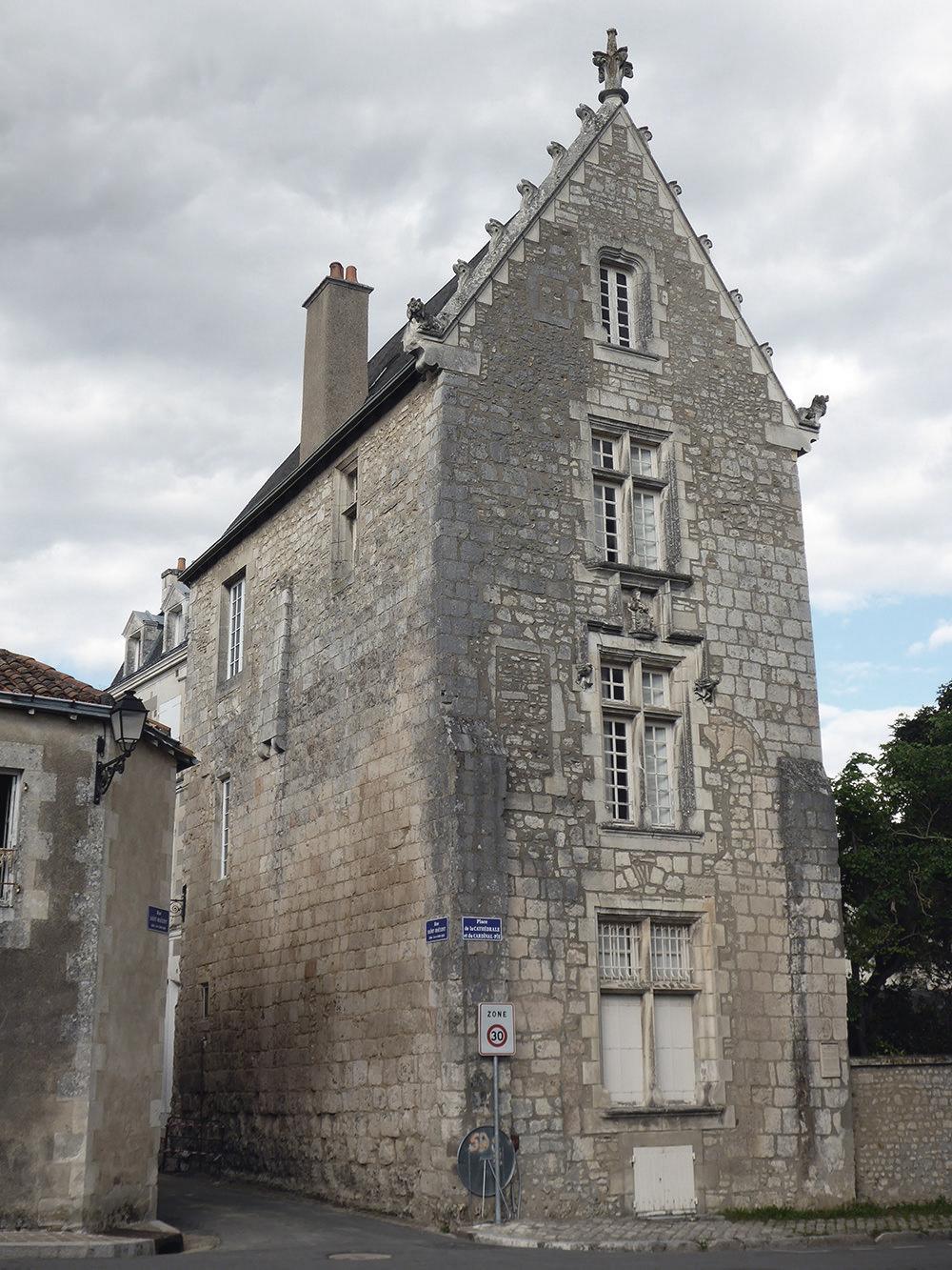 Poitiers, vieille maison