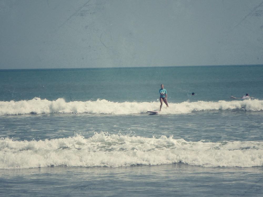 Surfeurs de Kuta, Bali, Indonésie
