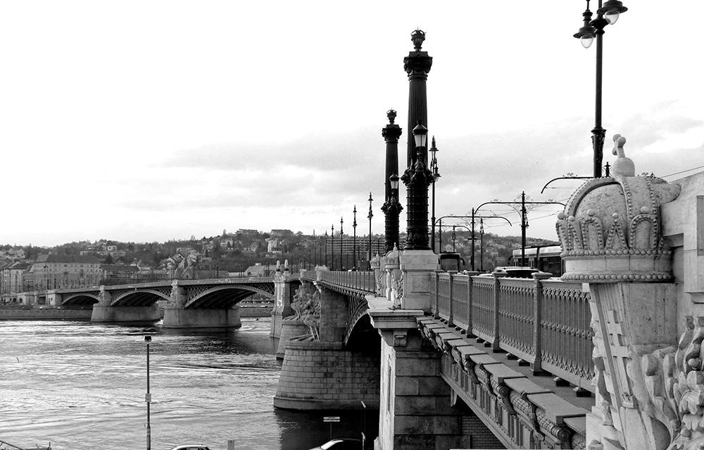 Pont Marguerite dans le quartier du Parlement de Budapest