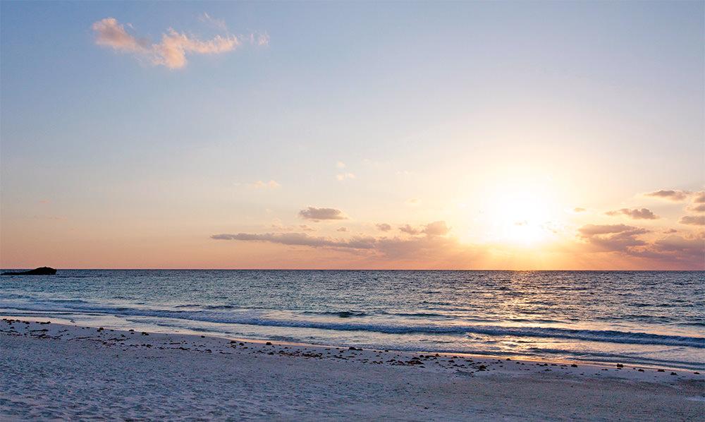 Coucher de soleil à Tulum, péninsule du Yucatan, Mexique