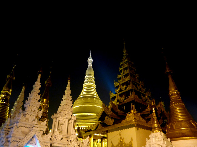 pagode shwedagon nuit