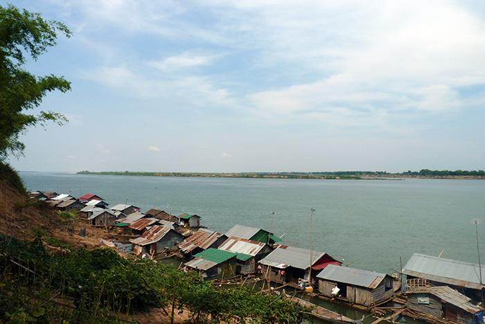 Kampong-Cham-Village-Flottant