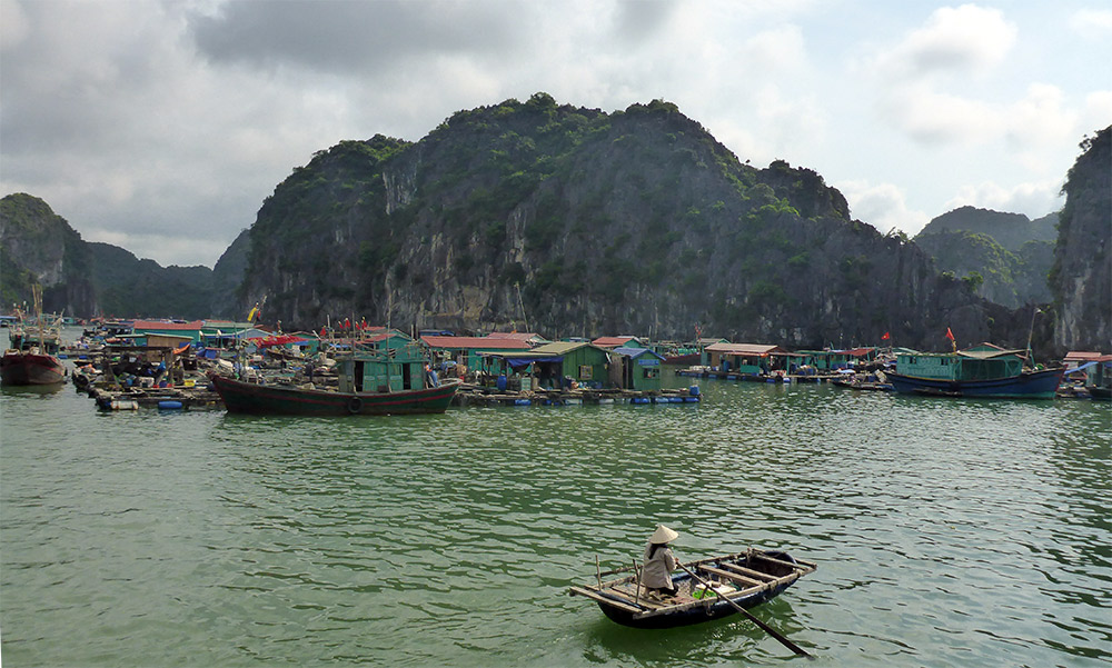 Baie d'Along, Cat Ba, Vietnam