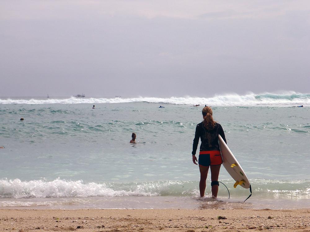 surfeur-bingin-bali