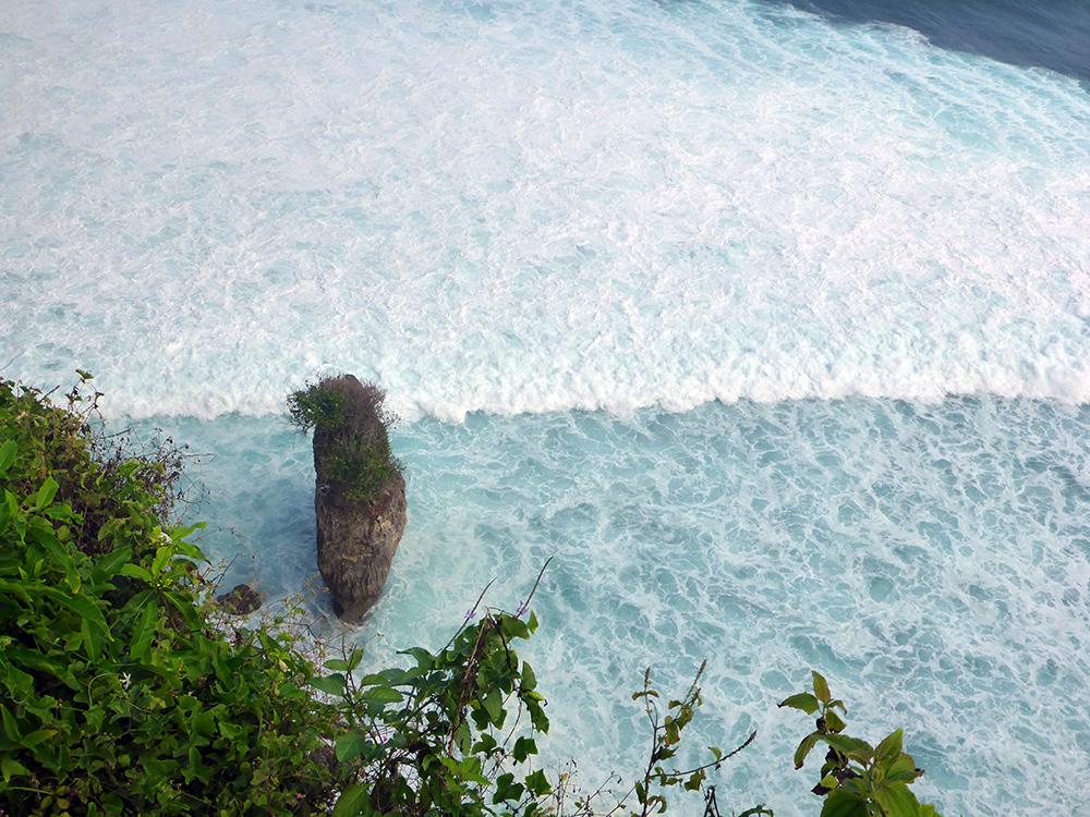 temple-uluwatu-bali-ocean