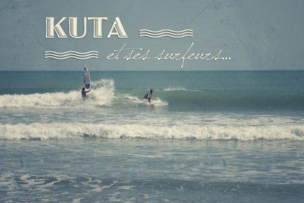 Les surfeurs de Kuta, Bali, Indonésie